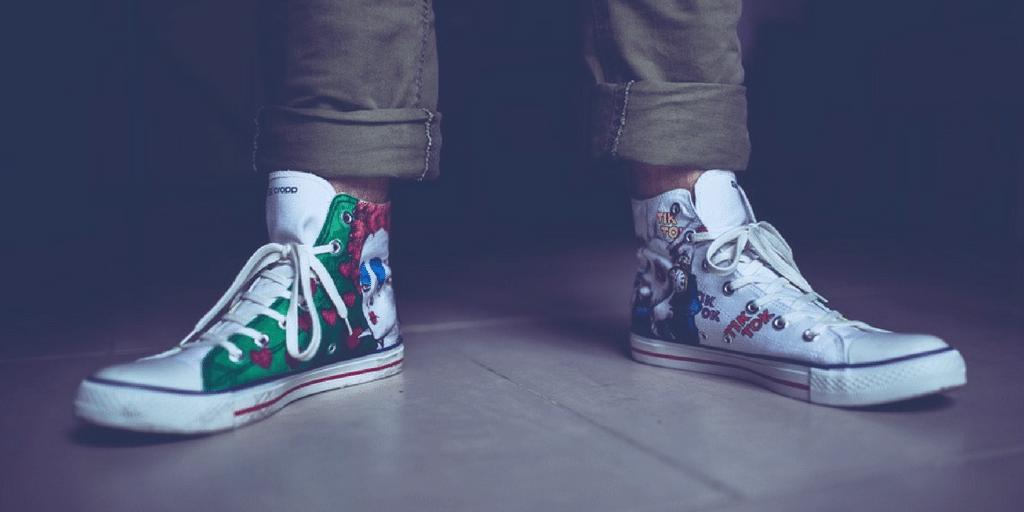 Puedes montar una tienda de zapatos con diseños originales de tus clientes